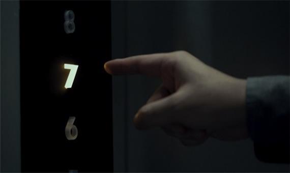 امکان فشار کلیدهای آسانسور با استفاده از فناوری بی لمسی